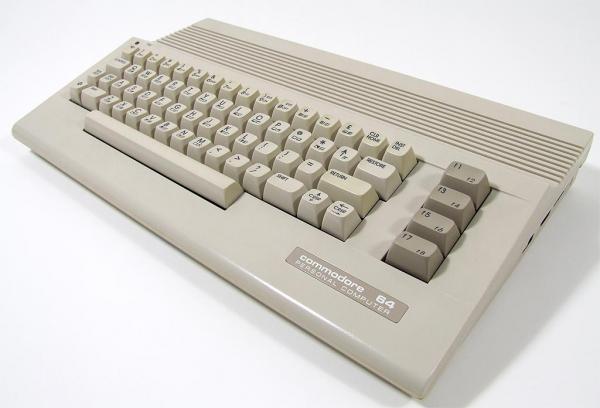 Commodor 64С