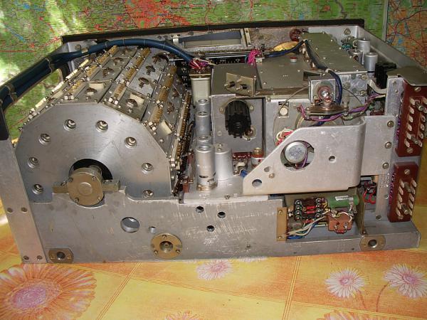КВ приемник Р-250М2
